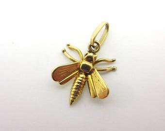 Vintage Fly Insect Bug Charm 14k Yellow Gold Pendant Bee Dragonfly