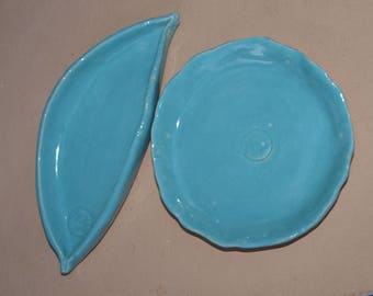 Soap dish and Shelf, a set of ceramics
