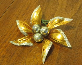"Vintage 1950s Christmas tree ornament decoration gold tinsel star flower silver glitter green stem 4"" (71217)"