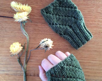 Green Eyelet Fingerless Gloves / Wool Gloves / Accessories / Women's Clothing