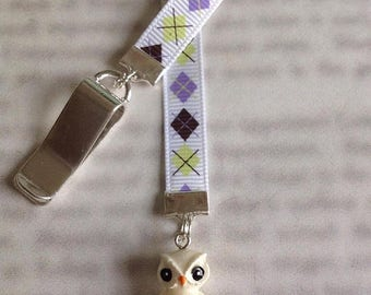 ON SALE Owl Bookmark / Hedwig Bookmark / Cute bookmark  - Clip to book cover then mark the page with the ribbon. Never lose your cute bookma