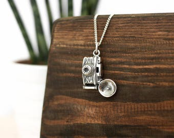 Camera Silver Necklace •  present gift for wife girlfriend her, sterling jewellery, charm, photographer, photography, pendant
