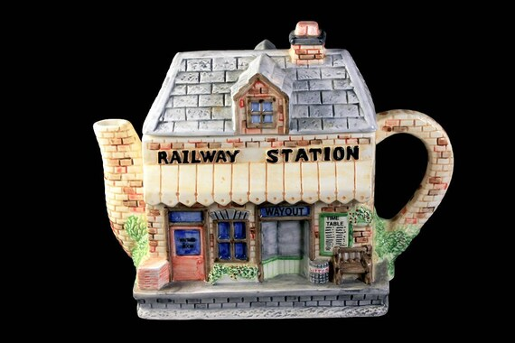 Decorative Teapot, Western House Gifts, Railway Station, Annie Rowe, 4 Cups, Hand Painted, Ceramic, Collectible