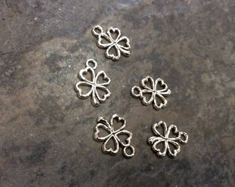 Four leaf clover charms Package of 5 charms Irish charms Good luck charms Antique Silver Clover Charms