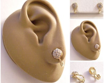 Monet Crystal Encrusted Discs Clip On Earrings Gold Tone Vintage Round Small Rimmed Edge Comfort Paddle Buttons