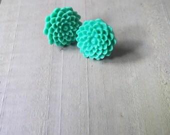 Chrysanthemum Earrings - Green Chrysanthemum Earrings - Green Flower Earrings - Copper Post Earrings - Flower Stud Earrings - Gifts for Her