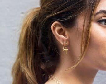 Dainty hoops, Huggie earrings, Hoop earrings, Delicate earrings, Minimalist hoops, Minimal earrings, Tiny earrings, Spike hoops, gold hoops