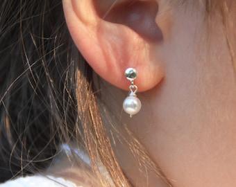 Sterling Silver Pearl Earring. Girls earring. Children jewelry. Flowergirl Earrings. First Communion gift. Dainty pearl earrings. Baptism.