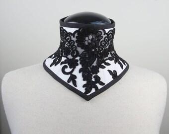 CLASSIC lace neck corset