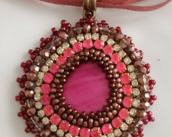 Pink hand embroidered pendant - Memet Jewelry