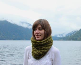 Chunky Knit Cowl Scarf Wool Neckwarmer | THE STRASBOURG in Evergreen