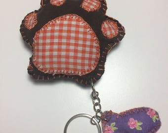 Keychain Paw Print Dark Brown and Squares