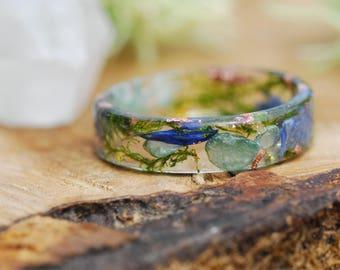 Nature Rings, Green Aventurine Ring, Gemstone Ring, Pressed Flower Ring, Nature Inspired Rings, Natural Green Stone, Resin Ring, Woodlands