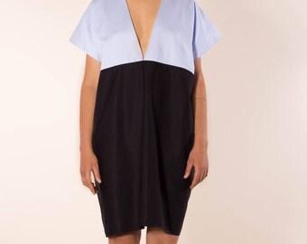 Simple, elegant dress with deep V-neck in black organic cotton with light blue, black high-quality summer dress, oversize