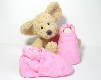 Baby girl slippers pink embroidery fabric with flowers,size newborn to 3 months, handmade by Tricomuse