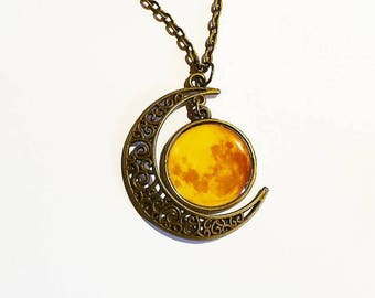 Pretty necklace cabochons: in the Moon