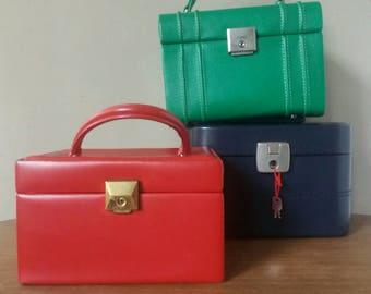 beauty case, makeup case, Christmas gift, 70s beauty case, vanity case, shabby chic, faux leather box, sky beauty case, imitation leather