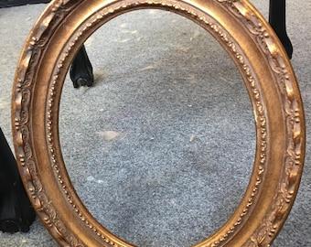 Vintage Gold painted Decorativr Oval Frame