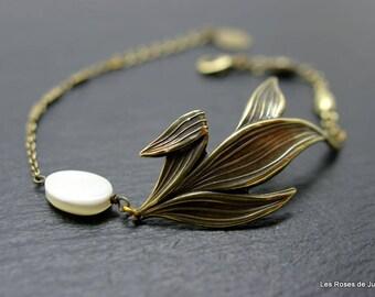 Art deco bracelet leaves