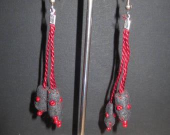 Grey felt and 8 beads earrings