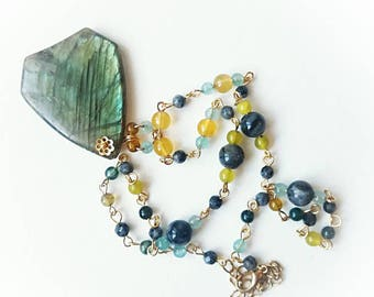 Peacock labradorite pedant gemstone chain necklace grey handmade carved jewelry green black moonstone unique locked gift for her for Mom