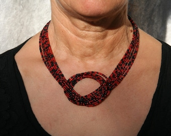 Red and black short necklace with bow