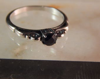 Sterling Silver Ring with 4mm Blue Sapphire - Ring Size 7 #472-544