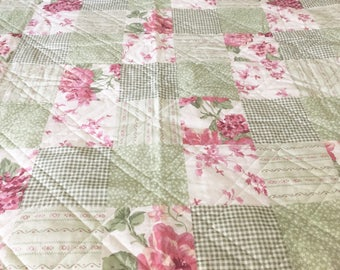 SALE / Ashley Cooper Floral Patchwork Quilt / Queen / French Country / Cottage Chic