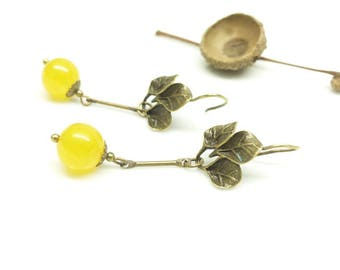 Earrings Art Nouveau, flowers and yellow stones.  Fine earrings flower and yellow beads.
