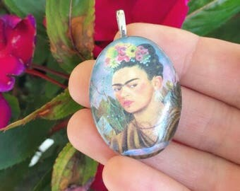 Frida Kahlo Cabochon Pendant (Including Chain!)