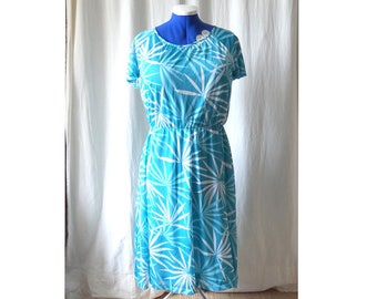 Vintage 60s Turquoise Summer Dress with Exotic Pattern - Size L