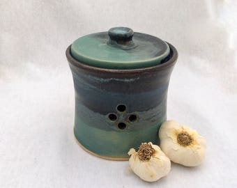 Wheel-thrown pottery garlic keeper jar, green and black glaze, stoneware garlic jar, foodie gift, chef gift, functional kitchen art