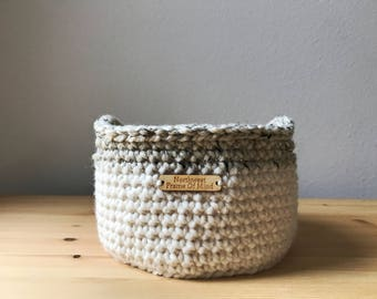 Medium Round Crochet Basket With Handles/ Catch-All Basket / Soft Basket / Storage Basket / Cream Basket / Housewarming Gift / Rustic / Boho
