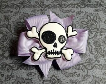 Bright purple loop with skull