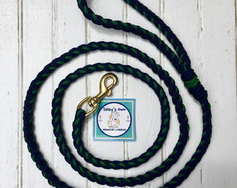 "6'2"" Navy and Hunter paracord leash"