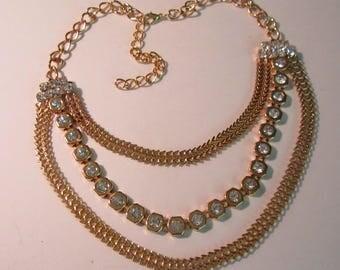 Rhinestones Goldtone Beautiful Vintage Necklace    (#746)