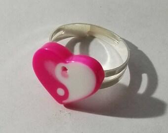 ying yang pink acrylic heart ring