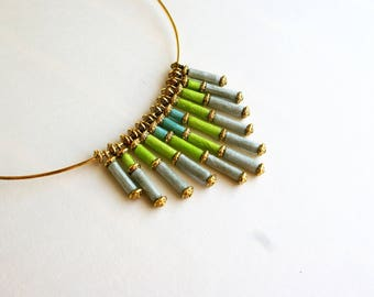 """Elegant """"Pop Inca"""" necklace from India, light blue, Apple green and gray paper"""