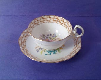 Royal Albert Basketweave Border Floral Pattern Teacup and Saucer, Bone China England Tea Cup Set