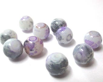 10 white speckled grey and purple glass beads 8mm (H-13)