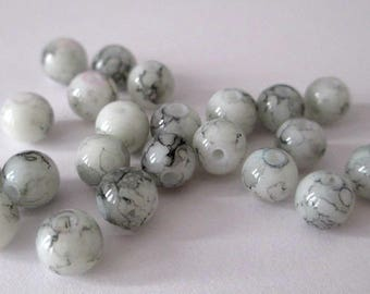 20 white speckled beads 6mm (B-04)