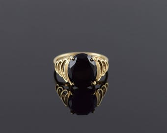 10k Onyx Oval Cut Prong Tiered Scalloped Ring Gold