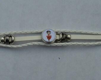 beige Pearl Leather Bracelet