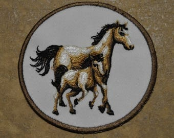 set of 4 badges embroidered with horse, key ring available