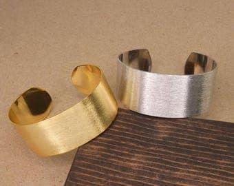 Matted Cuff Bracelet, Matte Gold, Minimalist Bangle, Cuff Bracelet, Hadmade Bracelet, Modern Bangle, BBR135-MG, BBR135-MS)
