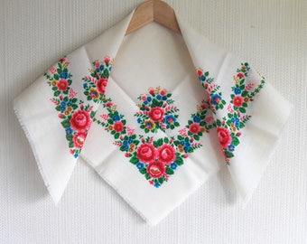 Small white ukrainian scarf, folk russian scarf, floral russian shawl, ukrainian folk, russian shawl, chale russe, wedding shawl