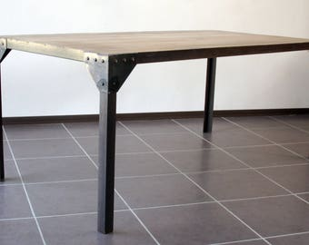 Table industrial steel and wood