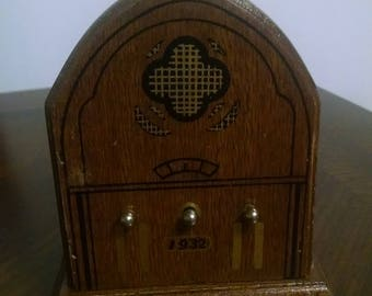 Vintage HIMARK Wooden Antique Radio Shaped Coasters