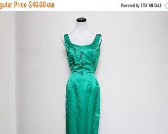 30% OFF VTG 50s Green Beaded Rhinestone Pin Up Wiggle Pencil Floor Length Dress S
