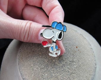 Vintage Enameled Snoopy Holding Apple Pin